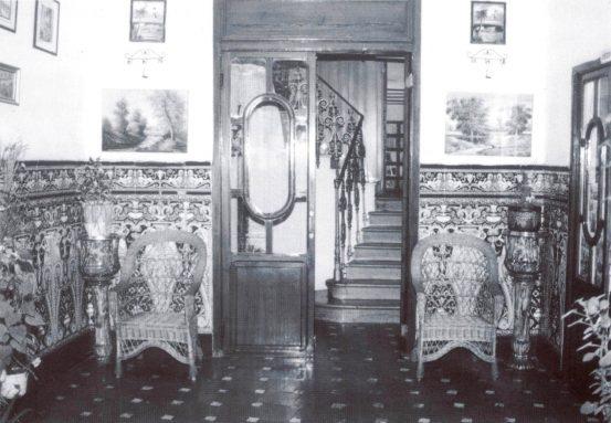 Bares - Recepcion del Hotel La Favorita (Foto César Jordá) VHCR 2004 p053.jpg