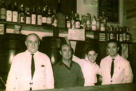 Bares - 1964-01-12 MGC 269 Ramón Gadea Pérez en la Boda de la Hija de Vicente Morcillo (Bar Martínez).jpg