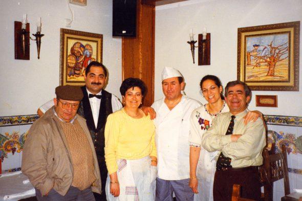 Bares - 1970-00-00 Torrescal - Dueños y familiares.jpg