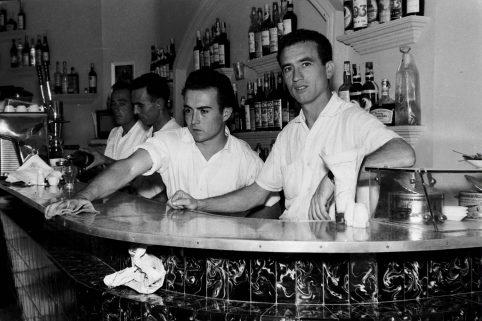 MGC 1961-08-25 018 Bar Correos.jpg
