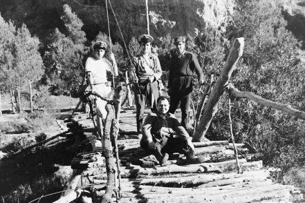 MGC 1964-02-04 050 MGC y amigos pescadores en Tabarla.jpg