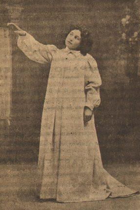 Amparo Guillén en La Duda (1898).jpg