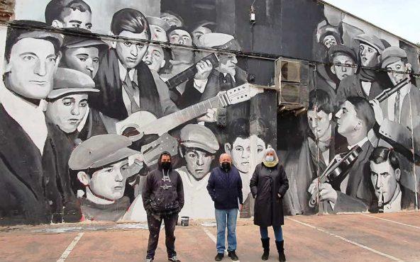 2021-03-18 Mural Mercado Requena (Rondalla 1928) Alex Gambín beca Pedro Marco.jpg
