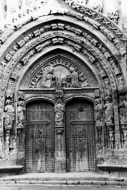 MGC 1956-09-28 028 Vista - Fachada de Santa María.jpg